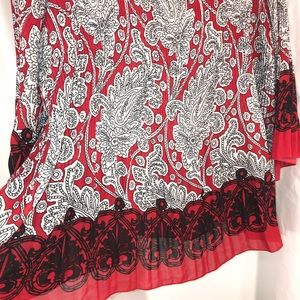 Avenue Tops - Red Gray Paisley Top by Avenue, Size 18/20